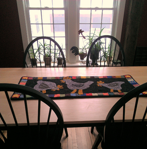 Table with runner
