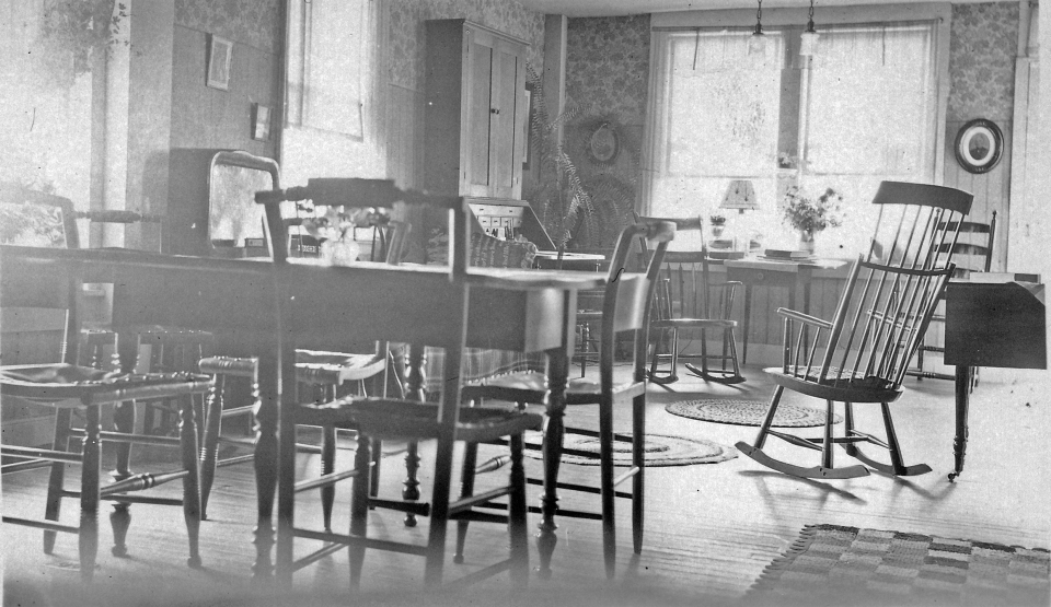 Dining Room at Fort Pelham Farm 1930's (6)